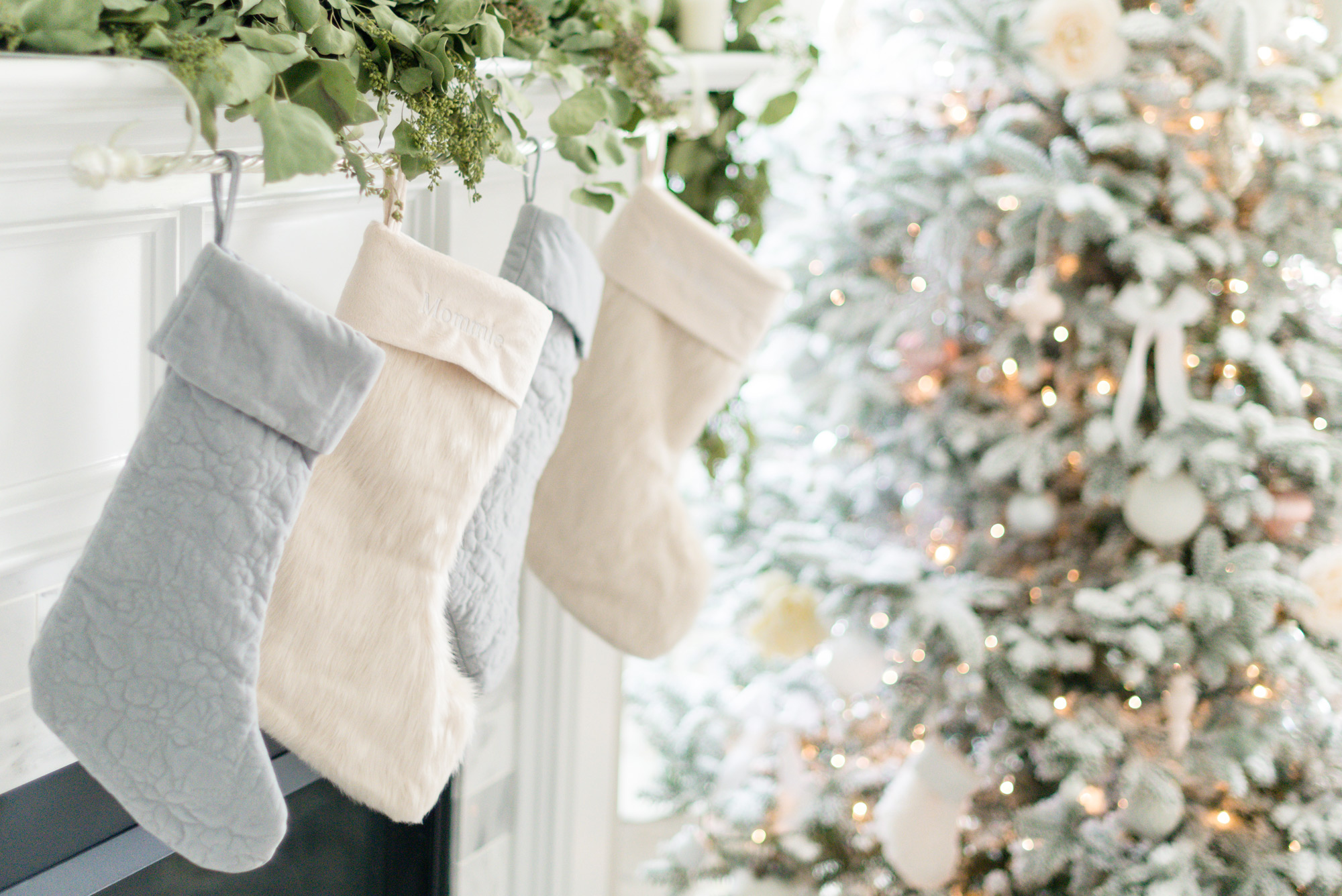 Christmas Stockings | Holiday Design | Lifestyle Blogger Elle Bowes shares holiday home decor ideas.