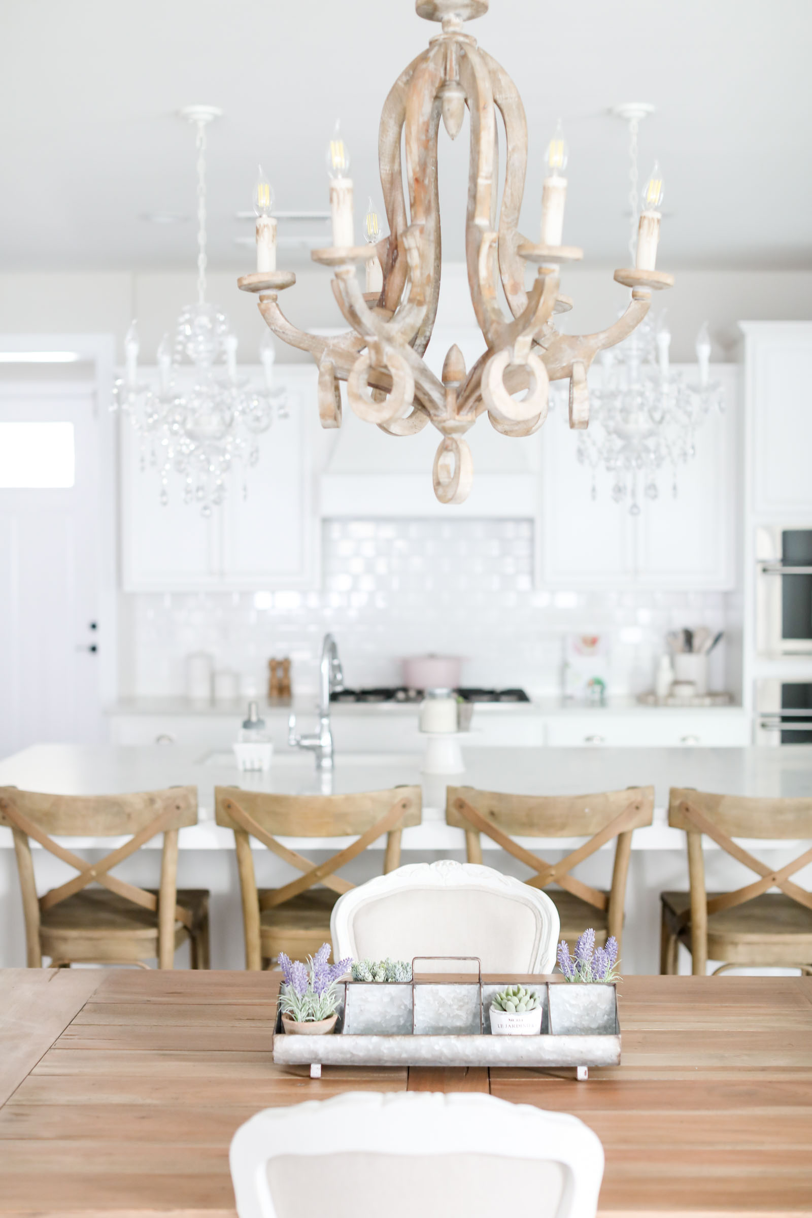 white kitchen farm kitchen | lifestyle blogger elle bowes shares farm style and centerpieces